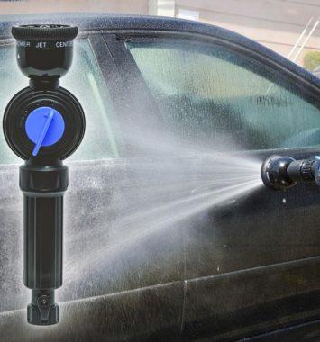 billede af sæbedispenser der bruges til at vaske bilen derhjemme